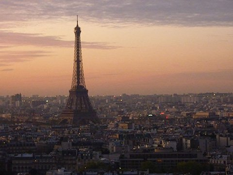 800px Concorde Lafayette Hotel Paris View of Eifell Tower from 28th floor